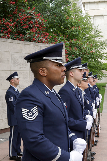 Side angle of Airmen honor guard.